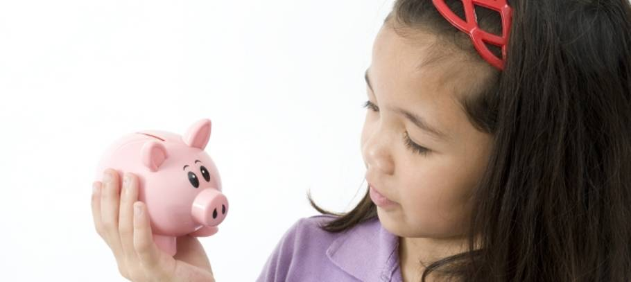 Make maths fun – introduce your child to piggy banking!
