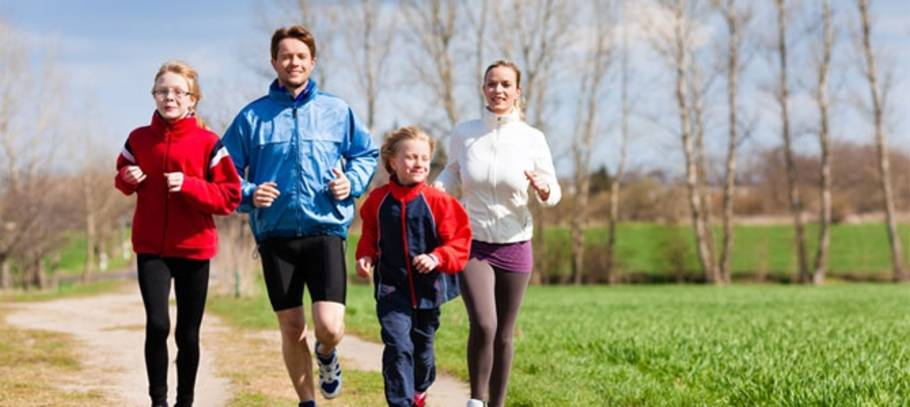 Realistic 2015 New Year Resolutions to achieve as a family