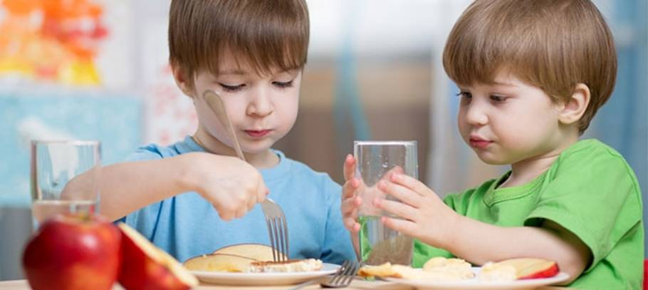 How to prevent mealtime battles with your little ones