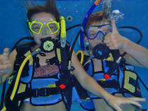 Intro to Scuba Diving Gillitts Diving Classes & Lessons 2
