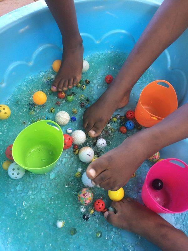 Sensopatic tray-water and small to medium balls with small tubs