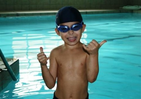I dont like swimming.....I LOVE it!!
