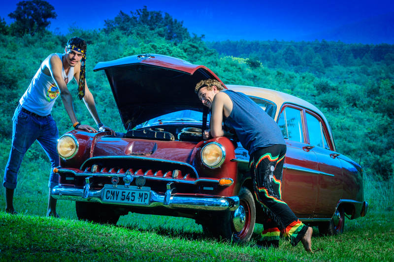 Fun photoshoot with sixties clothing and cars