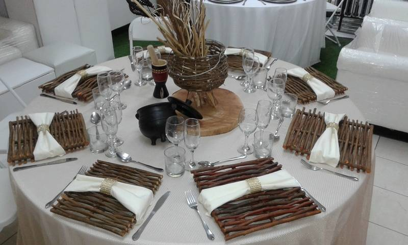 Various kinds of Traditional Settings by Thoshaz Hiring